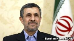 آقای احمدینژاد میگوید با «رویکرد و رفتار قاضی» دادگاه اسفندیار رحیم مشایی، «همه مقامات کشور از بالا تا پایین، متهم و محکومند».