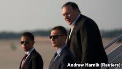 مایک پومپئو، وزیر خارجه آمریکا همراه وزیر دفاع کشورش برای دیدار با مقامهای دهلی نو، به هند میرود