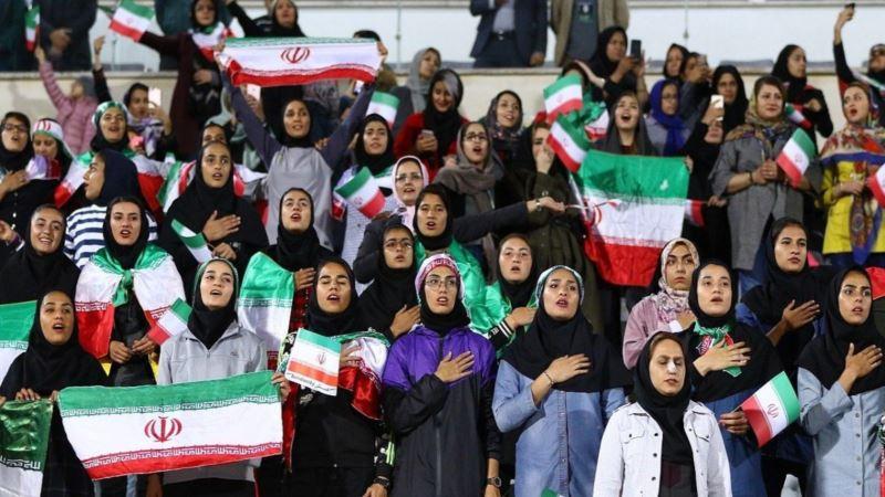 حضور گزینشی زنان در ورزشگاه آزادی؛ یک اقدام نمایشی یا مقدمه رفع ممنوعیت؟